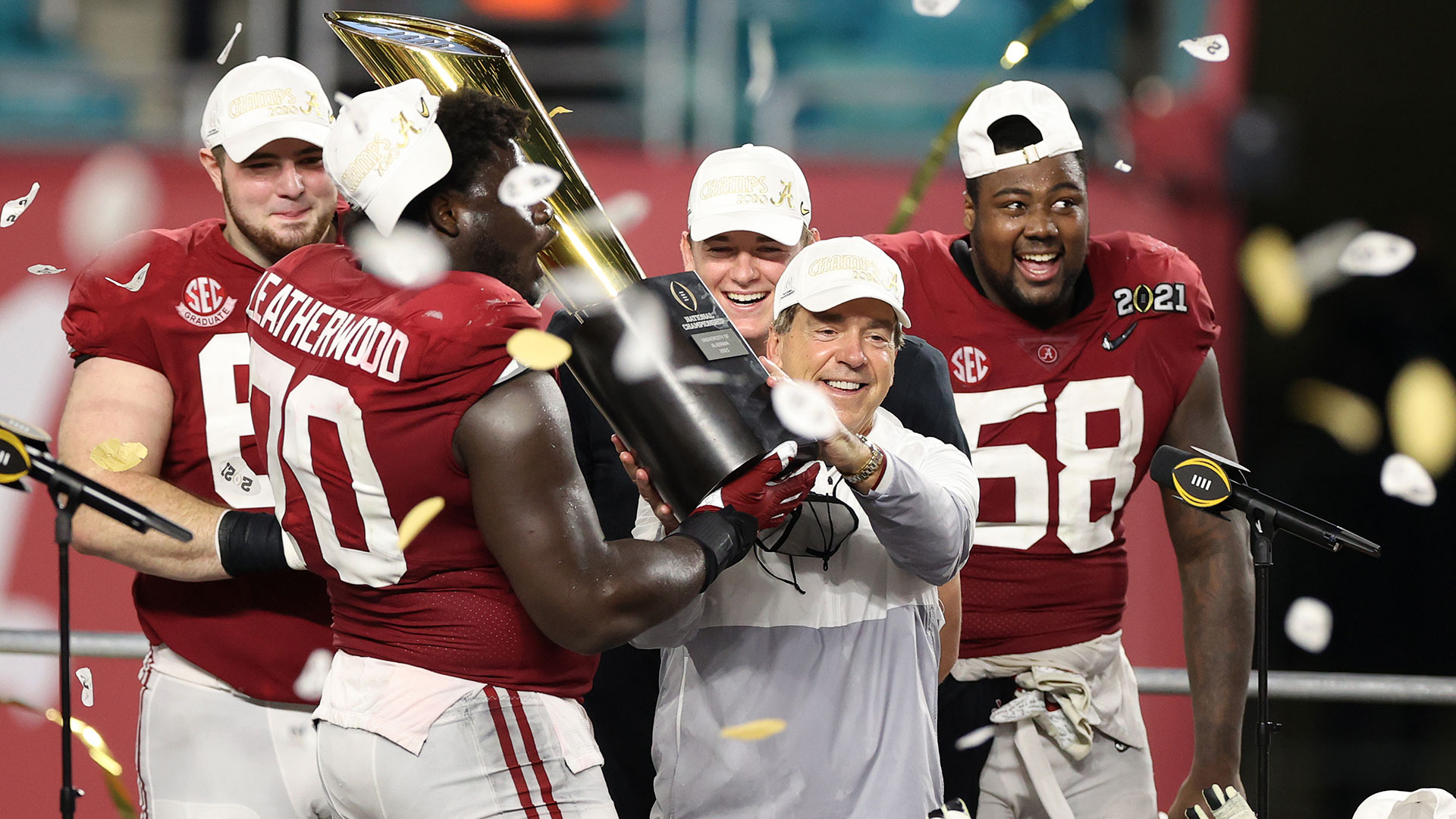 Nick Saban hoists 2021 National Championship trophy